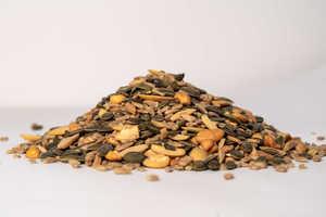 תערובת זרעים לסלט – 300 גרם פיצוחים ופירות יבשים